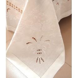 Fan Bouquet Linen