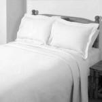 Estrella White bedspread