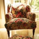 Floral velvet armchair cream