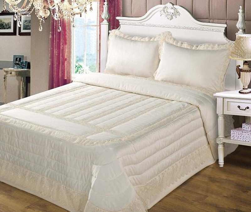 Anita Cream Lace And Satin Bedspread