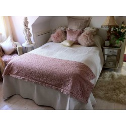Battenburg Lace Vintage Pink Throw