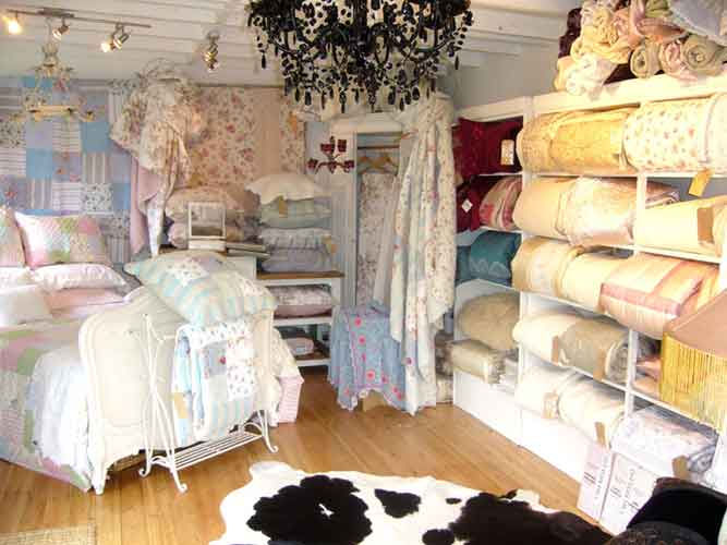 superb range of patchwork quilts and bedspreads